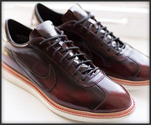nike 1972 qs deep red  nike sneakers moon shoes