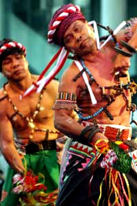 """Belian Bawo Dance. Belian is one of the cultures of the Dayak Dayak Benuaq Tonyooi and tribes to cure ill people. There are many Belian so there are many costumes, moves and music that this dance that follow suit with the aims of Belian itself. """"Pemelian"""" or shamans act as Mediators among people and the evil / bad spirit in treats the ill people."""