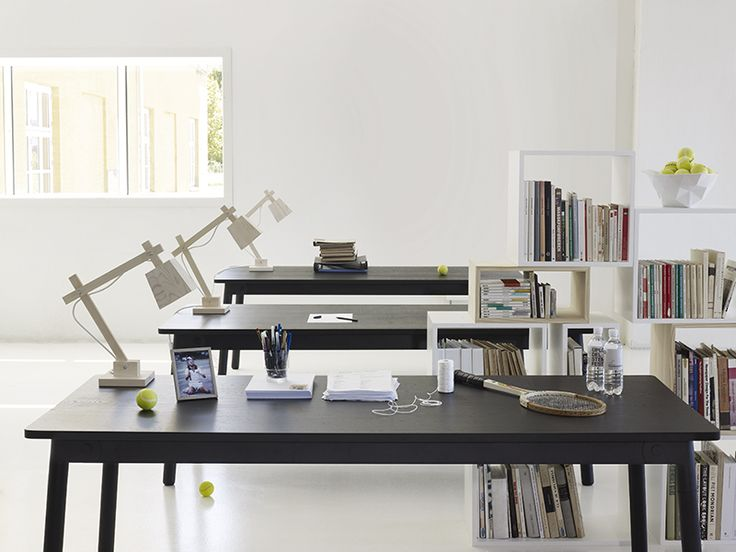 Table by Muuto