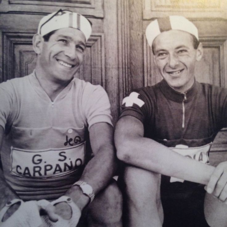 Gastone Nencini in the yellow jersey Tdf 1960 with the red lantern bearer Hans Schleuniger