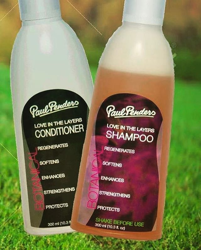 """""""Serik dgn SHAMPOO CONVENTIONAL yang mengandungi pelbagai bahan SYNTHETIC dan wangian TIRUAN? """" . . Bertukar kepada shampoo yang NATURAL paul penders love in the layer shampoo yang berasaskan daripada MINYAK KELAPA dan herba-herba ORGANIC yang terpilih. . . Say yes to natural and convert to green beauty😊. """"Live life healthy! Change to natural products🌱🌱"""". Kebaikan shampoo Love in the Layer👇🏻: ♥️membantu pertumbuhan rambut ♥️melembutkan rambut ♥️menyihatkan kulit kepala ♥️menguatkan akar…"""