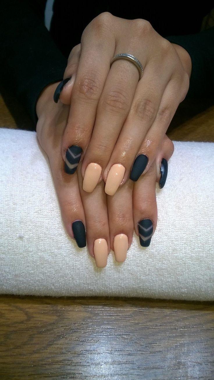 black and beige gel