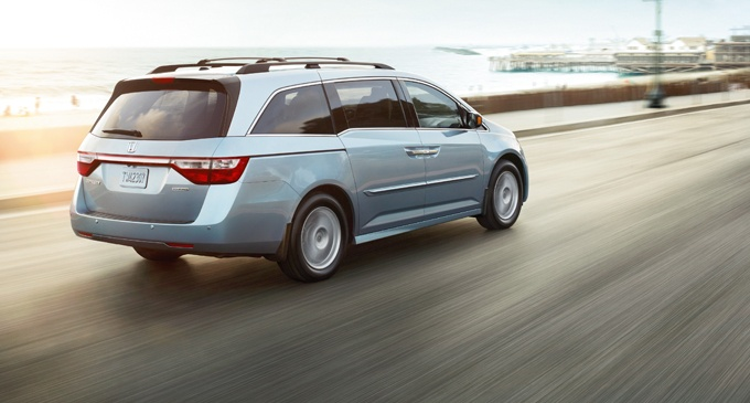 2012 Honda Odyssey:   With such features as a tri-zone automatic climate control system w/humidity control*, Bluetooth HandsFreeLink*, multi-angle rearview camera w/guidelines*, high-intensity discharge (HID) headlights*, a blind spot info. system (BSI)* & the Honda DVD Rear Entertainment System (RES)*, the Odyssey is loaded w/technology that makes your life easier.    *Available on select models.    www.tomkadlec.com