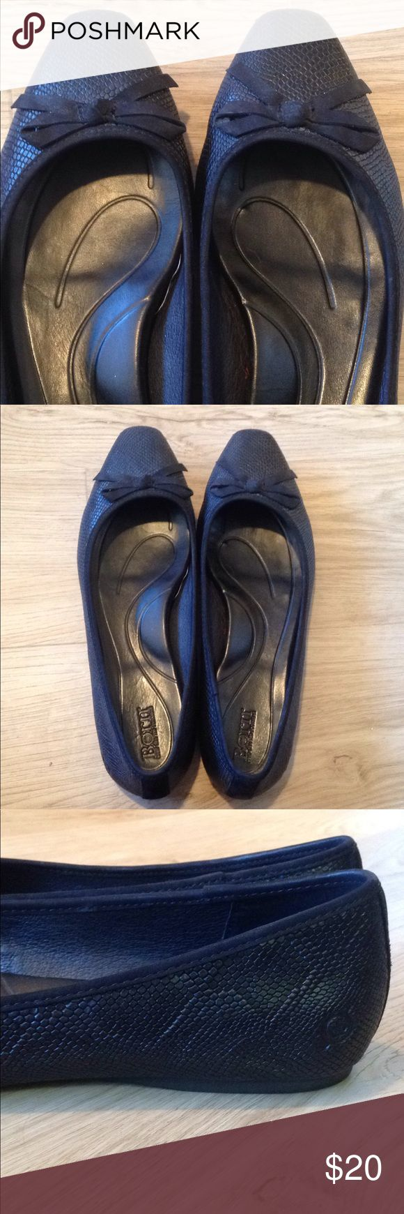Born Black Flats w/ Bows, Size 10M Super cute flats that are in EXCELLENT condition! They are perfect to dress up or down--they look great with dress pants/skirts as well as jeans. Soft cushioned insoles with great arch support. Born Shoes Flats & Loafers