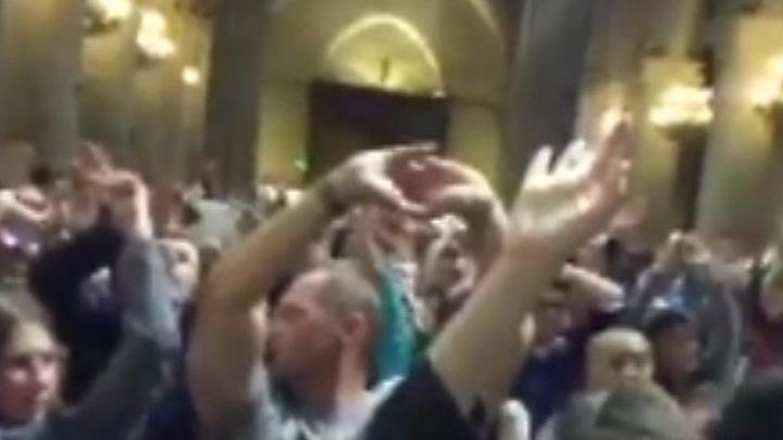 Paris attack: Notre-Dame assailant identified - BBC News