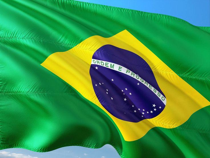 """Ouço de pessoas humildes que """"o Brasil precisa começar do zero, ser construído de novo""""."""