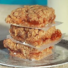 Easy Apricot Bars Recipe - Mommysavers.com - This easy apricot bars recipe is perfect for feeding hungry kids after school.