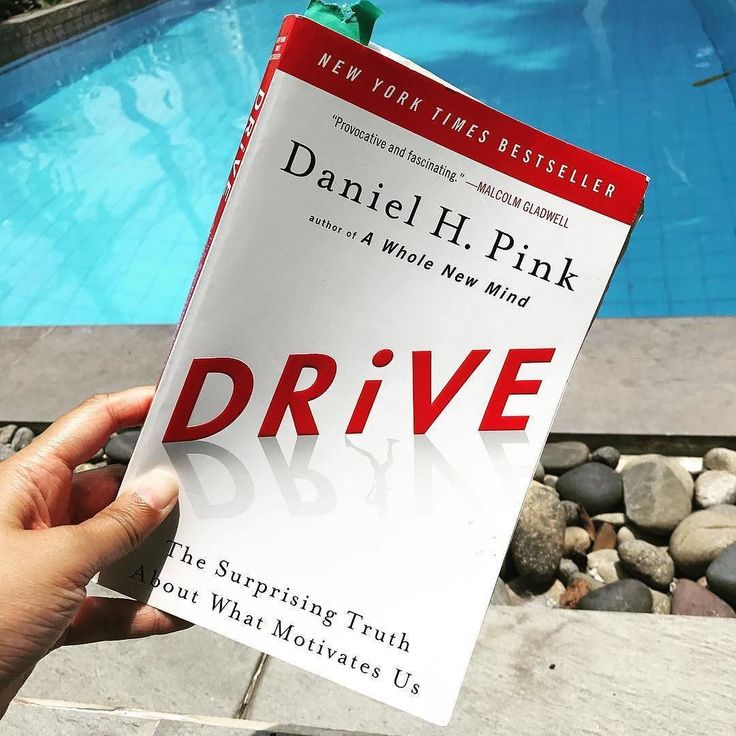 """""""Fixed mindsets see every encounter as a test of their worthiness. Growth mindsets see the same encounters as opportunities to improve.  Click LIKE if you've read this book! """"Drive""""  By Daniel Pink #goodlifebookclub   @missf10"""