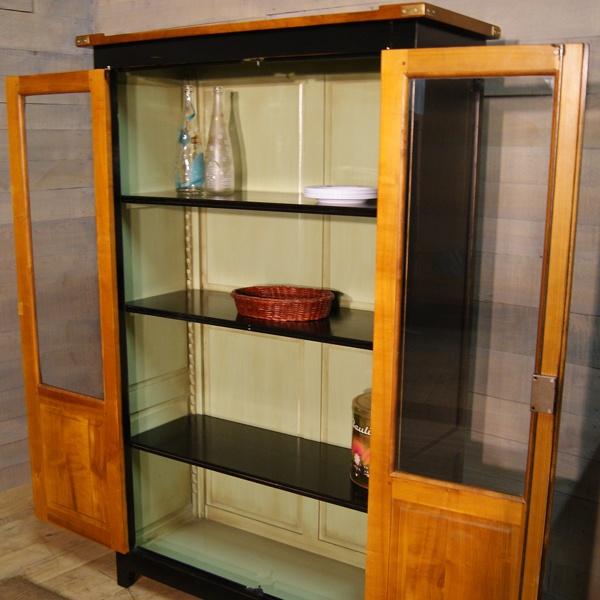 http://www.labillardiere.fr/meubles-de-metiers/115-armoirette-d-officier-sans-portes.html#.