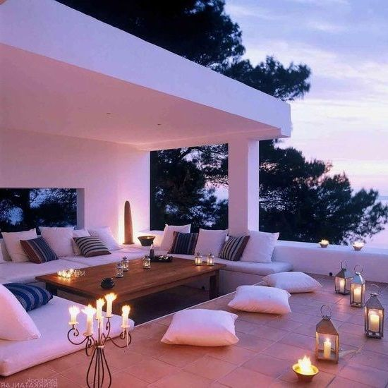 Candle-lit patio. soo pretty
