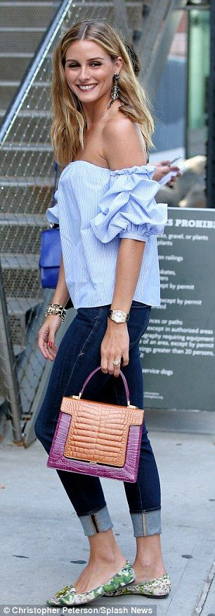 Olivia Palermo keeps cool in off-the-shoulder top and skintight jeans #dailymail