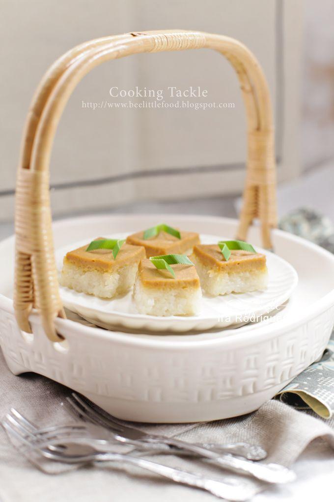 Cooking Tackle: Sticky rice and Coconut custard slice, Ketan Srika...