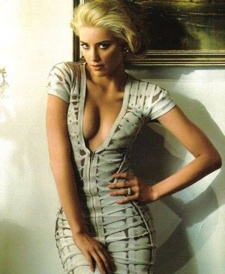 Amber Heard is so pretty and I lovvve this dress