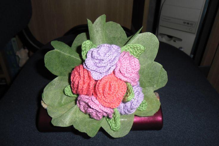 Crochet roses! :)