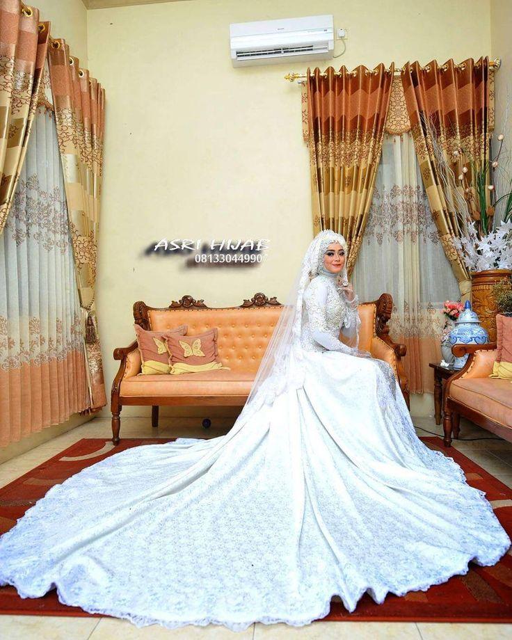 "215 Suka, 4 Komentar - ASRI HIJAB (@asri_hijab_wedding_organizer) di Instagram: ""ASRI HIJAB RIAS PENGANTIN KHUSUS HIJAB,  SPESIALIS MAKE UP NO CUKUR ALIS DGN PERIAS2 WANITA TULEN…"""