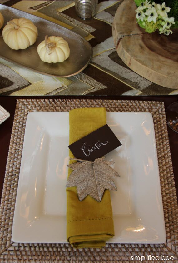 Contemporary Thanksgiving tablescape :: Simplified Bee