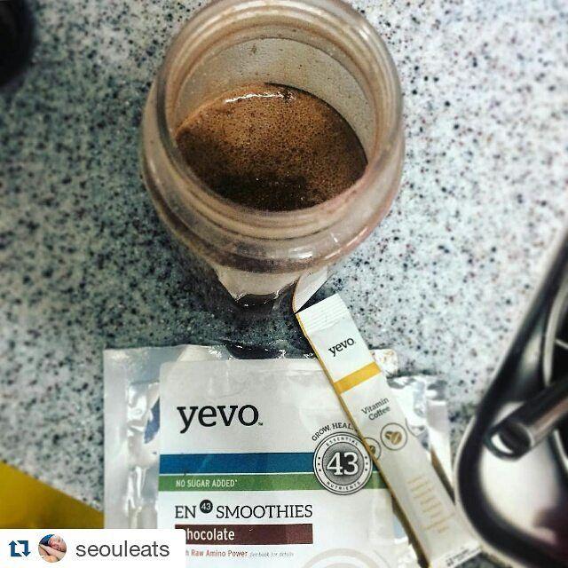예보와 함께하는 건강한 아침식사. 여러분의 아침식사도 궁금해요 예보와 함께하는 순간을 @yevo43korea태그하여 알려주세요. #Repost @seouleats with @repostapp  My morning pickup and go meal: Yevo Chocolate Smoothie with Vitamin Coffee. #blog @yevo43korea