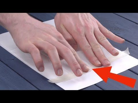 Клеим салфетку на лист бумаги для идеальног…