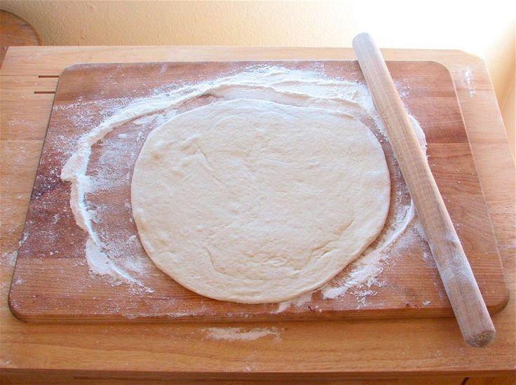 pizzateig ohne hefe •300 g Mehl  •150 ml lauwarmes Wasser  •1 EL Olivenöl  •Prise Salz  Ergibt ca. zwei Bleche oder drei Pizzen.