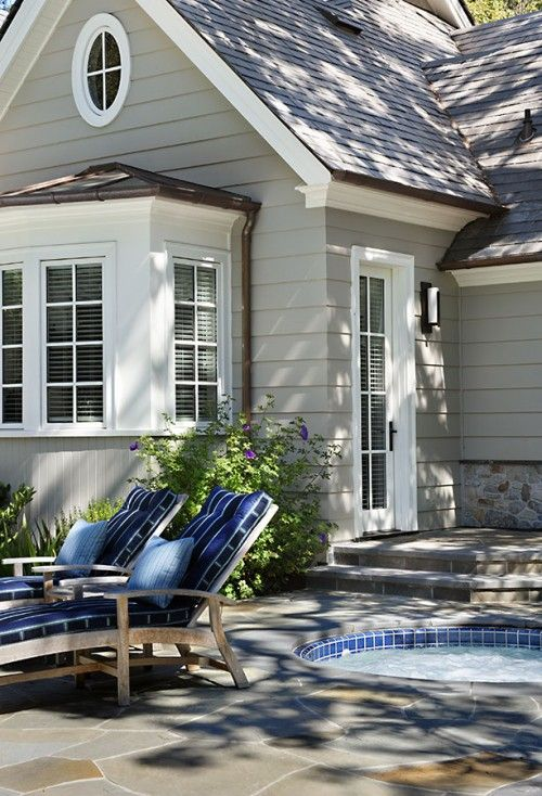 looks darling - exterior color is lovely with crisp white trim