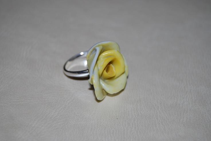 Ring  Part of an antique broken bonbonier with adjustable silver ring