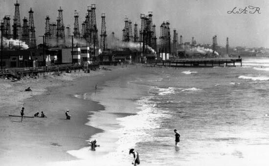 Oil wells at Venice Beach on January 26, 1931. Source: Paradise Promoted