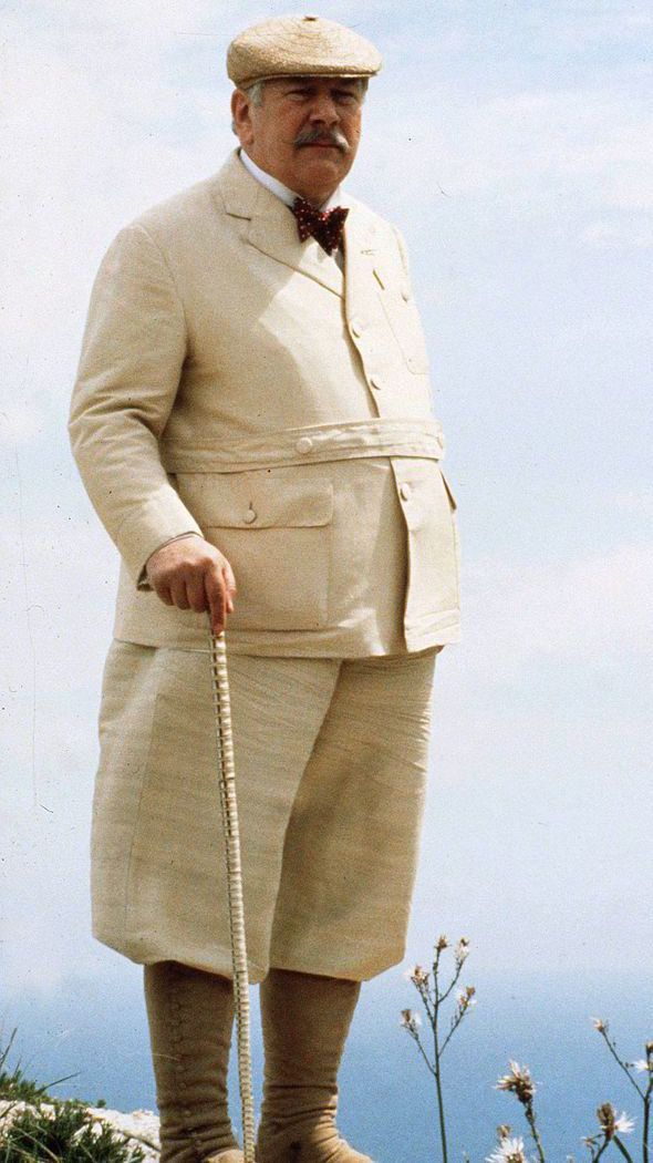 """Peter Ustinov como Hercule Poirot en """"Maldad bajo el Sol"""""""