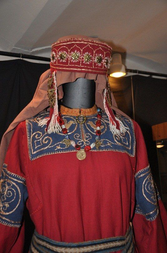 Slavic Rus early period close up from Novisibirsk museum | OMG embroidery project!