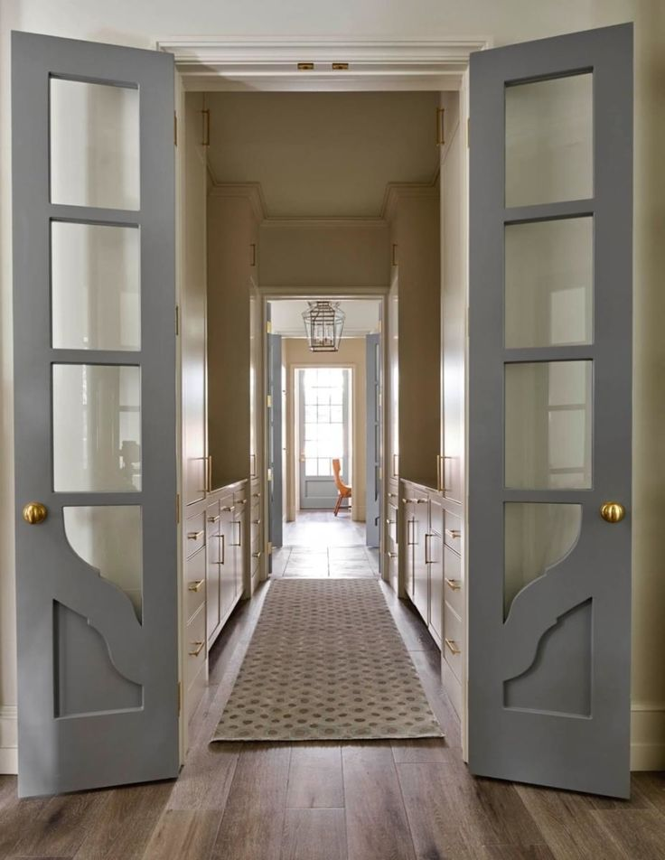 In Good Taste:  Coats Homes of Dallas love those doors!!!