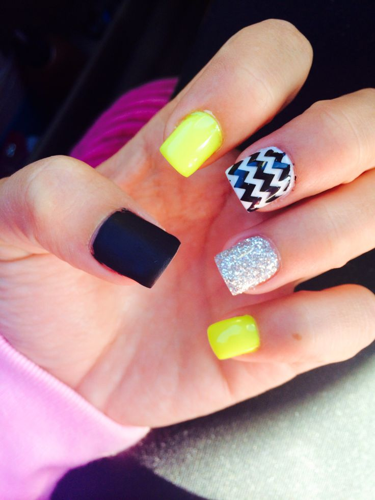 yellow summer gel nails