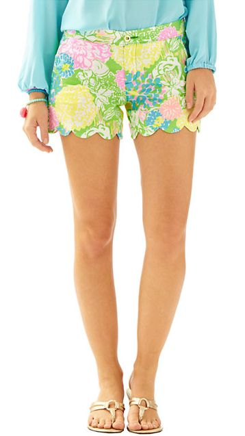"Lilly Pulitzer 5"" Buttercup Scallop Hem Short - Hibiscus Stroll"