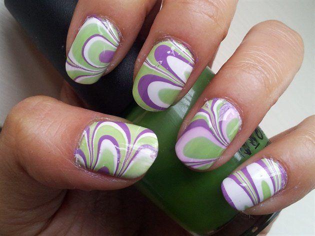 DIY Green Water Marble Nails