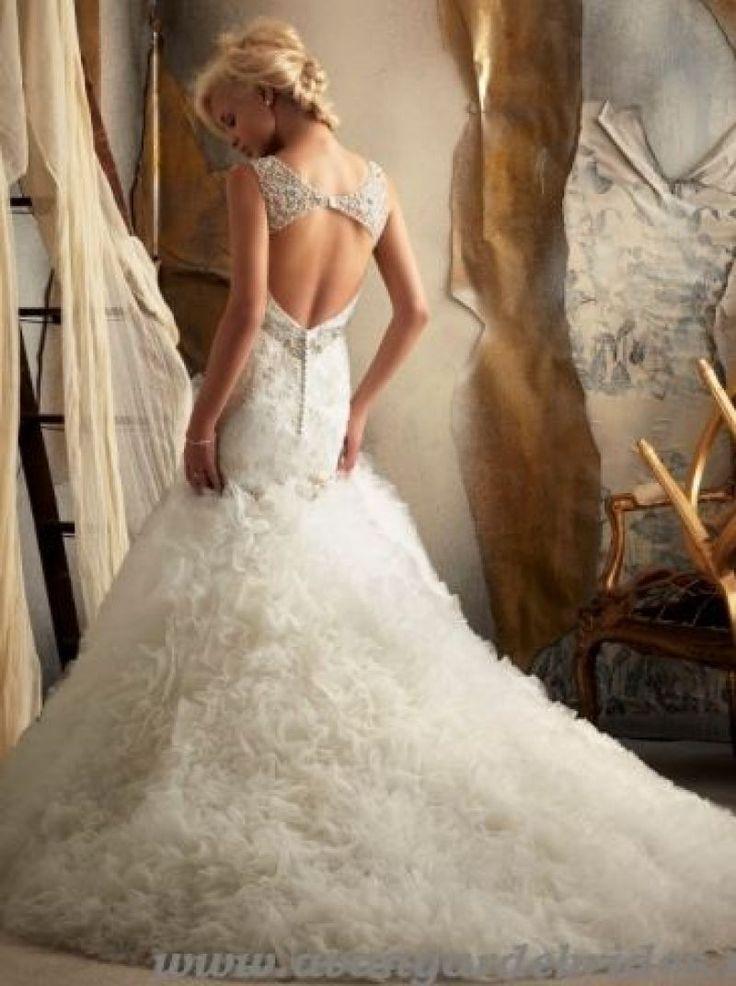 Rochii de mireasa cu spatele gol: modele, preturi, galerie foto