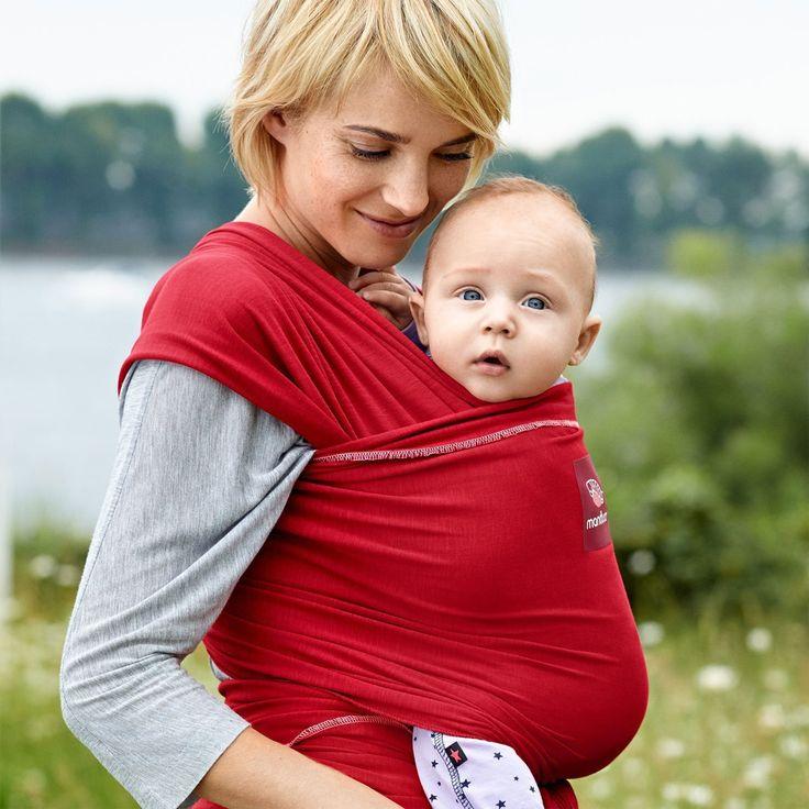 Questa semplice ma geniale invenzione fa sentire il bambino come dentro la pancia della mamma e vicino al suo petto, al suo profumo e al battito del suo cuore si sente al sicuro, smette di piangere e ritrova il sonno beato. Ci sono diversi modelli di fascia porta bebè con...