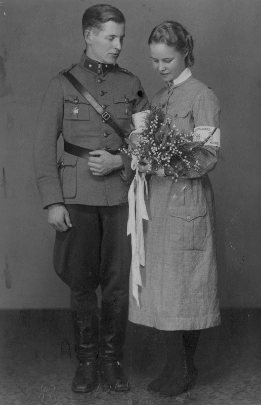 war time wedding in Finland 40's
