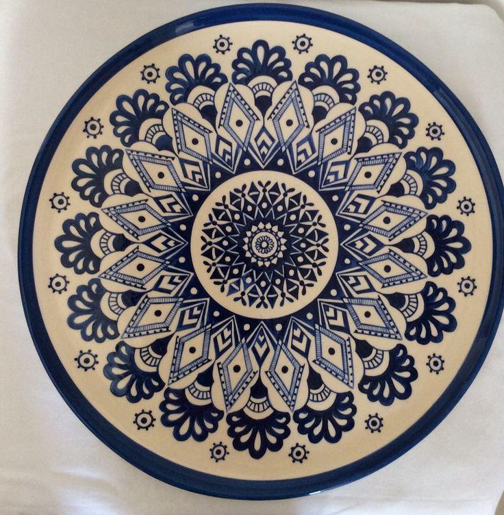 prato mandala azul feito em cerâmica e pintado a mão