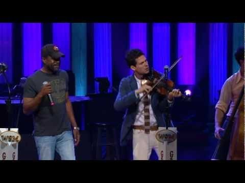 Old Crow Medicine Show & Darius Rucker - Wagon Wheel Live at the Grand Ole Opry - YouTube