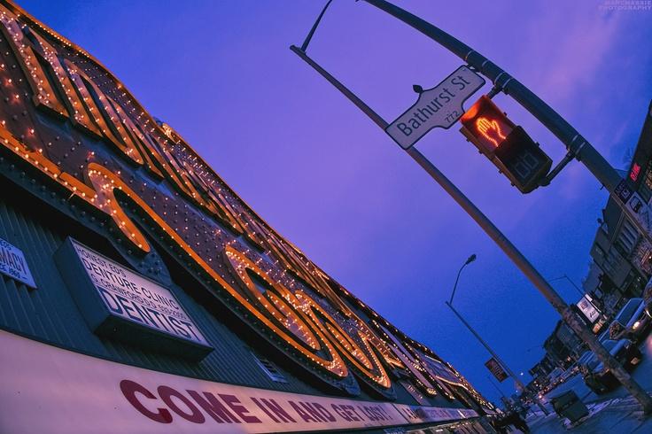 Honest Ed's, Toronto