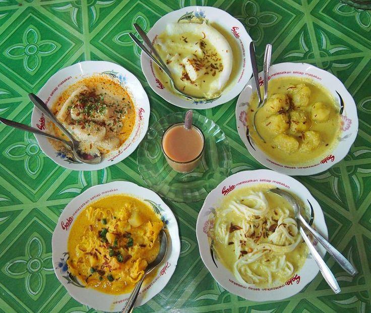"""""""Hardcore breakfast ala Palembang  .  Pagi ini kita nyicip makanan khas Palembang yang biasa disantap pas sarapan. Selain sarapan pake pempek dan cuko,…"""""""