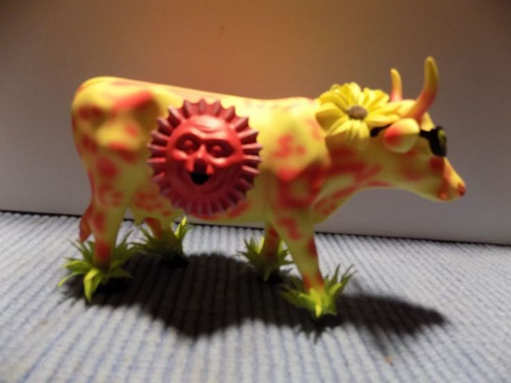 """2003 Cow Parade """"Here Comes The Sun""""  #7287 Westland Giftware"""