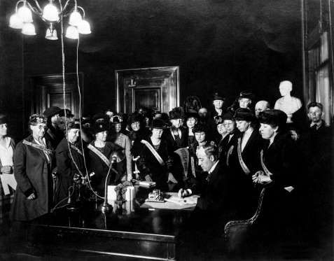 June 4, 1919: CONGRESS PASSES THE 19TH AMENDMENT Rejected by the Senate in the 19th Century Congress, after more than three decades, passes the 19th Amendment and give women the right to vote.