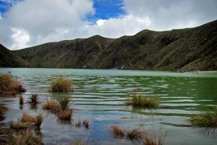 """TUQUERRES, DEPARTAMENTO DE NARIÑO, COLOMBIA. """"Cráter Volcán Azufral - Laguna Verde"""". Foto IPITIMES.COM® /Fabio Martínez."""