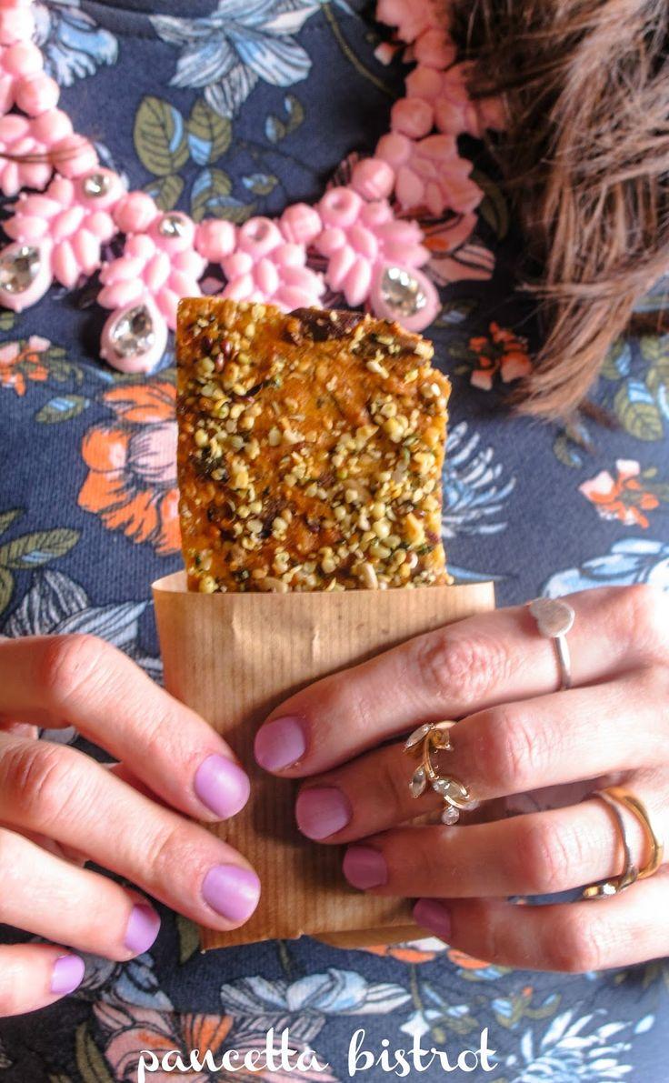 Cracker di semi con arancia e miele