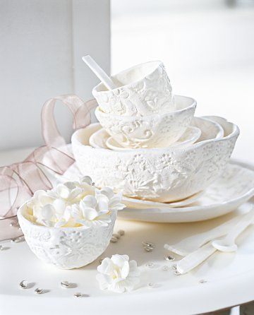 Sugar bowls  As fine as porcelain, these adorable bowls are actually made of icing sugar and decorated with pretty floral motifs.
