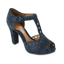 navy blue clark shoes. I bought these last summer and I love, love them. I can walk all day in them because they are so comfortable and they have loads of style too.