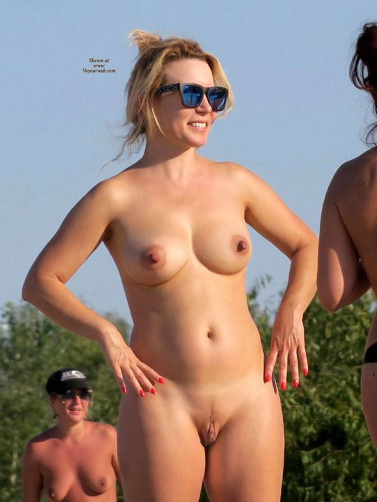amature mature wives flashing