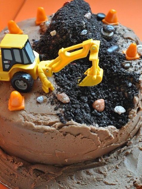100 Easy Kid's Birthday Cake Ideas: Boy Cake, Birthdays, Cake Ideas, Construction Cakes, Birthdaycake, Party Ideas, Birthday Party, Birthday Cakes, Birthday Ideas