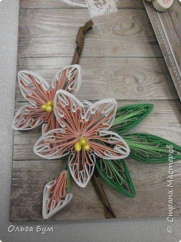 Открытка Квиллинг Открытка сдекоративными цветами в технике квиллинг Бумажные полосы фото 3