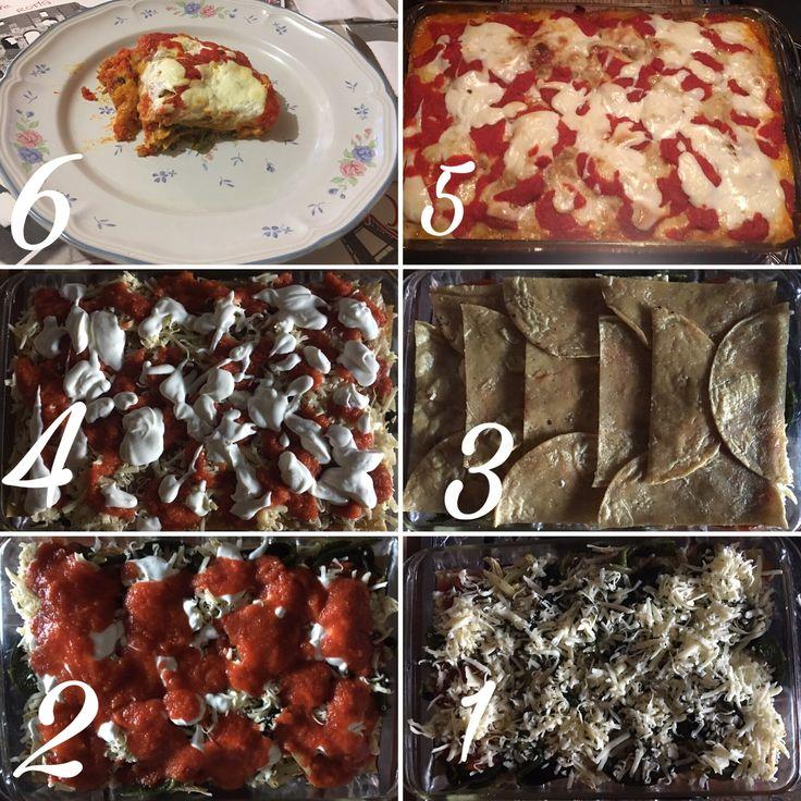 Torta Azteca ( tortillas, pollo, rajas de chile poblano, salsa de tomate, queso, crema ácida, ) horneada por 30 minutos 200 grados centígrados
