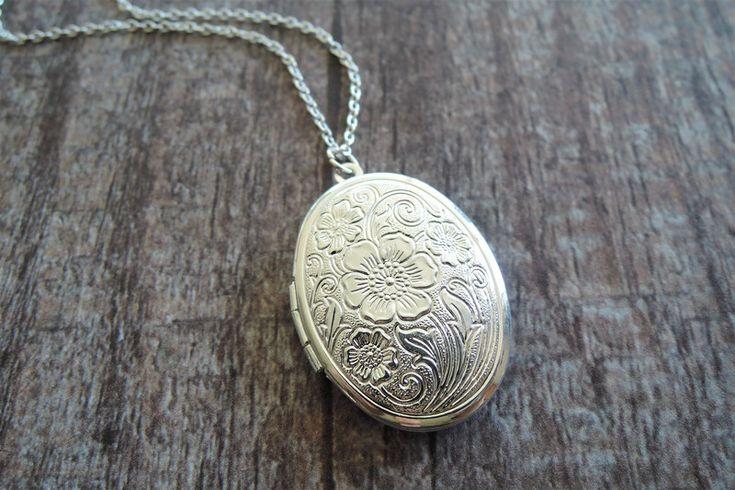 Medaillonketten - Silber Blume Foto Medaillon geschenk für sie - ein Designerstück von MadamebutterflyMeagan bei DaWanda